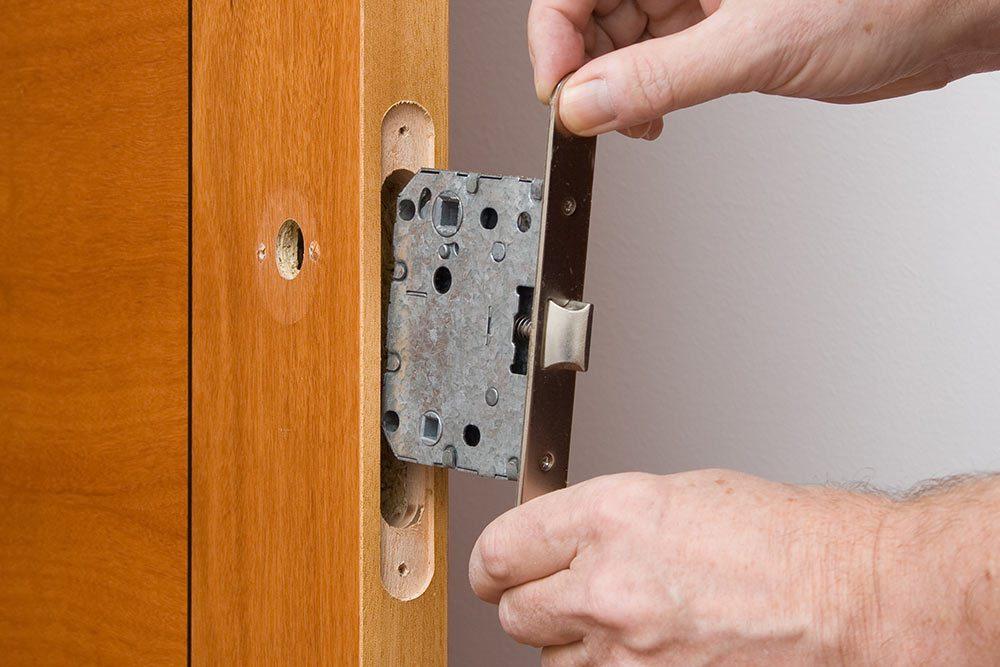Cerrajeros Ripollet Instalación y Cambio de Bombillos